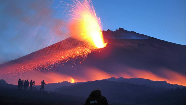 images/tours/cities/etna-eruption.jpg