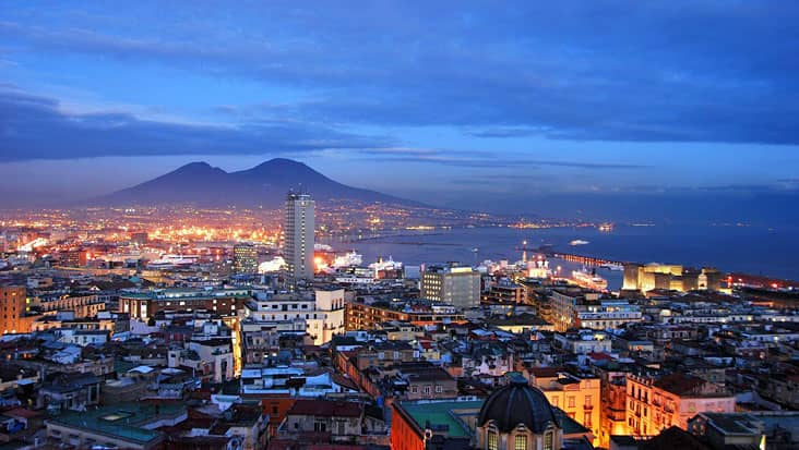 images/tours/cities/naples-at-night.jpg