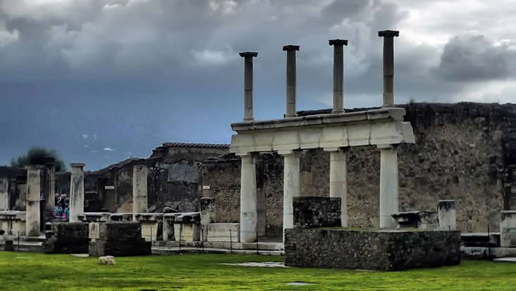 images/tours/cities/pompeii.jpg