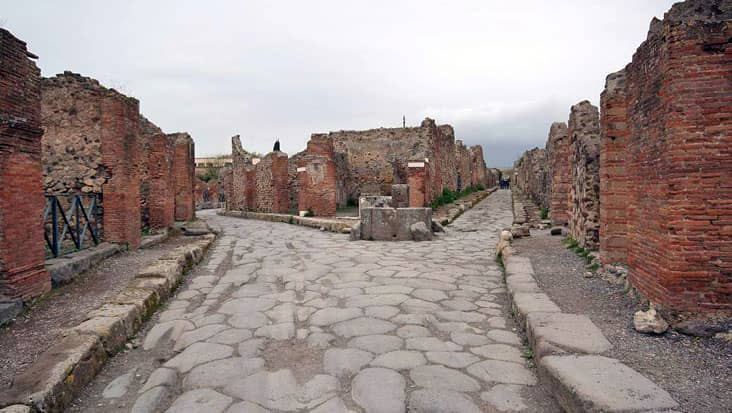 images/tours/cities/pompeiistreet.jpg
